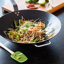 Gemüse-Wok mit Garnelen