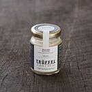 Butter mit weißen Trüffeln